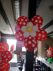 flori din baloane agatate
