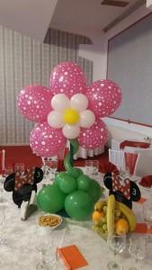 floare-din-baloane-fucsia